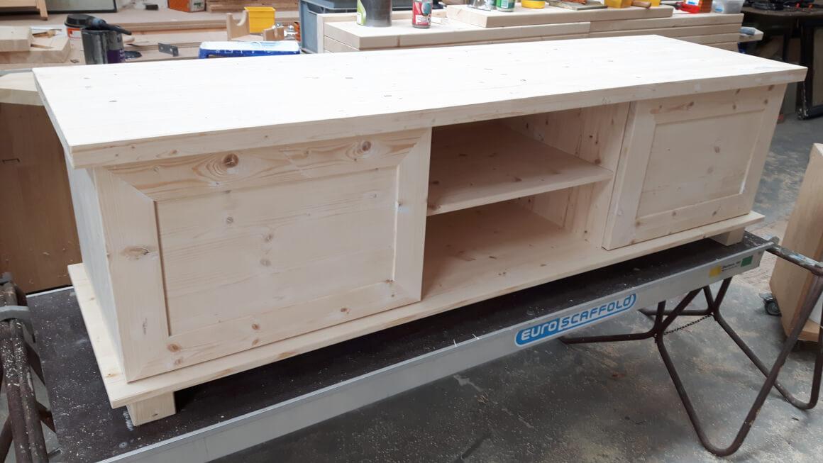 Audio / TV meubel, massief grenen